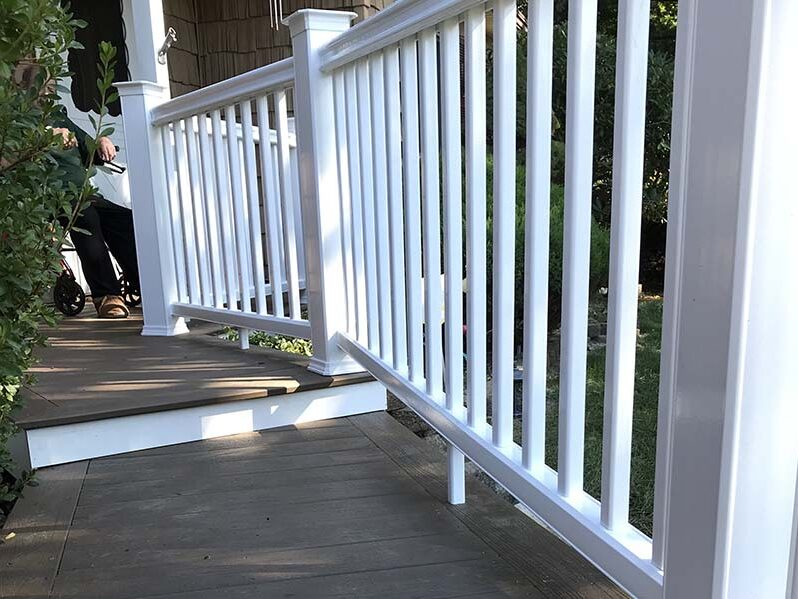 Suffolk deck railing